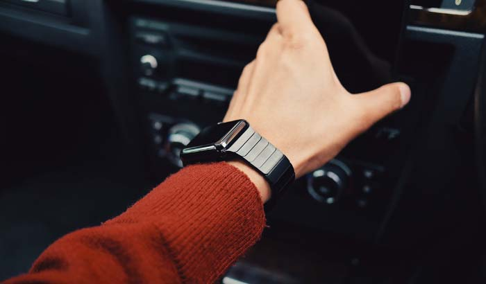 introduction to the first smartwatch