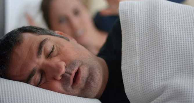 How to Avoid Snoring At Night Naturally