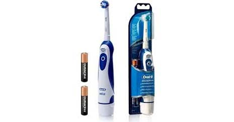 blue bristles on the Oral-B Cross Action